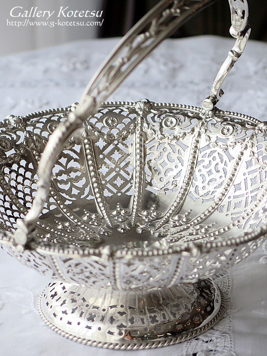 シルバーバスケット antique silver cake basket